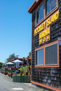 Café Marina & Woodley's Bar